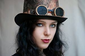 Обои Стимпанк Косплей Шляпа Очках Лица Взгляд Красивые Брюнетка Девушки