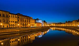 Фотографии Тоскана Италия Здания Водный канал Ночные Уличные фонари Отражение Pisa Города