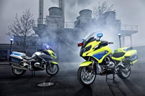 Картинки BMW - Мотоциклы Полицейские Двое 2015-17 R 1200 RT