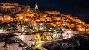 Картинки Италия Здания Дороги Ночные Уличные фонари Matera Basilicata