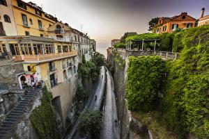Обои Италия Дома Дороги Сорренто Скала Лестницы