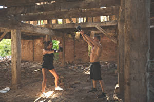 Фотографии Мужчины Фитнес Физическое упражнение 2 спортивные Девушки