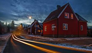 Обои Стокгольм Швеция Дома Дороги Вечер Уличные фонари Улица