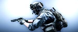 Фото Battlefield 4 Солдаты Пистолеты Военная каска Маски Американские US Support Игры 3D_Графика
