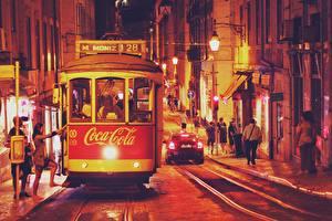 Обои Coca-Cola Португалия Улица Ночь Lisbon, Tram Города картинки