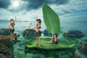 Картинки Креатив Речка Камни Девочки Лист Три Смешной ребёнок