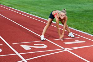 Картинка Рука Тренировка Старте девушка Спорт