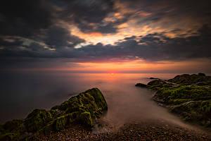 Фотографии Ирландия Берег Рассветы и закаты Небо Камень Облака Мох Greystones Wicklow