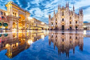 Фотографии Италия Отражается Лужи Улице Арки Городская площадь Duomo Milan город