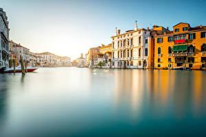 Картинки Италия Дома Венеция Водный канал