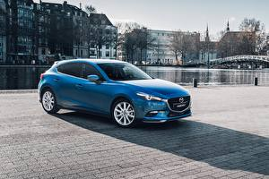 Картинка Mazda Голубые 2016-17 3 Hatchback Accessorized Worldwide машины