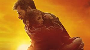 Обои Мужчины Hugh Jackman Логан (фильм) Объятие Laura Dafne Keen Кино Знаменитости