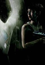 Картинки Монстры Чужой: Завет Страх Брюнетка Noomi Rapace Фильмы Девушки Знаменитости