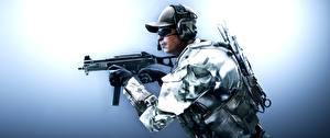 Картинки Солдаты Автоматы Battlefield 4 Кепка Американские Очки Наушники US Engineer 3D_Графика