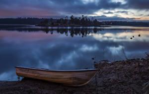 Обои Швеция Побережье Реки Вечер Лодки Природа картинки