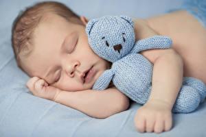 Фотография Игрушки Младенцы Сон Руки Дети