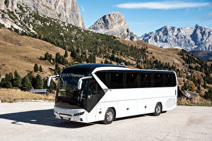 Фотография Автобус Белый 2016-17 Neoplan Tourliner