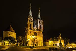 Фото Загреб Хорватия Здания Памятники Улица Ночные Уличные фонари город