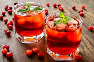 Фотография Напитки Клюква Стакан Двое Листья Мятой Еда