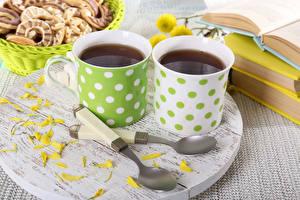 Фото Напитки Чай Чашка 2 Лепестки Ложка