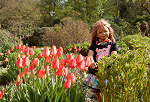 Обои Германия Парки Весенние Тюльпаны Кукла Девочки Grugapark Essen Природа