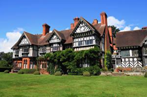 Картинки Дома Великобритания Особняк Дизайн Газон Кусты Wightwick Manor Города