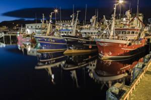 Фото Ирландия Причалы Корабли Ночь Уличные фонари Killybegs harbour