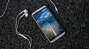 Фотография Смартфон Телефон Наушники MWC 2017, ZTE Gigabit, ZTE