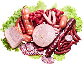 Картинка Мясные продукты Колбаса Сосиска Белом фоне Нарезка Продукты питания