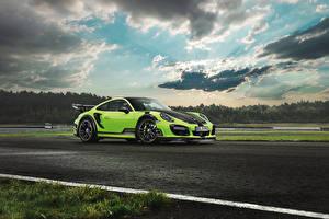 Фотография Порше Тюнинг Салатовый Облака 2016 TechArt 911 Turbo GT Street R Авто
