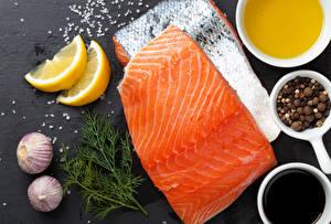 Картинка Морепродукты Рыба Приправы Чеснок Укроп Еда