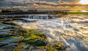 Обои Тропики Водопады Рассветы и закаты Волны США Океан Гавайи Мох Природа