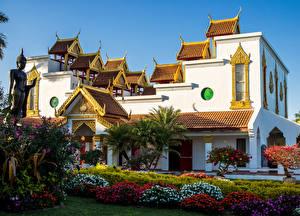 Картинки США Храмы Майами Кусты Пальма Wat Buddharangsi Buddhist Temple