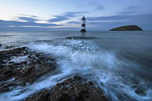 Картинки Великобритания Море Маяки Вечер Anglesey