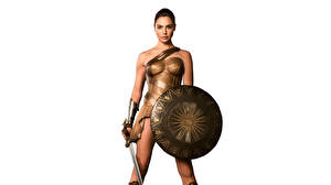 Фото Чудо-женщина (фильм) Чудо-женщина герой Галь Гадот Воины Белый фон Щит Мечи Фильмы Девушки Знаменитости