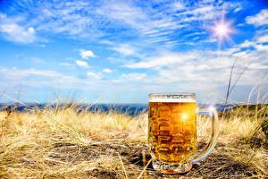 Фото Пиво Небо Кружка Трава Дети