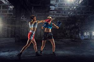 Фотография Бокс 2 Униформе Физическое упражнение Бьет Девушки Спорт