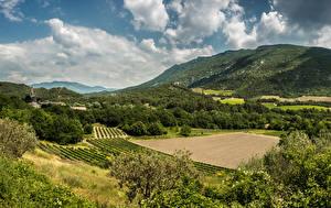 Фотография Франция Пейзаж Поля Леса Холмы Облака Provence