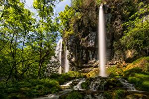 Обои Франция Водопады Скала Деревья Мох Brochaux Waterfall
