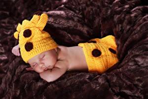 Обои Младенец В шапке Спящий ребёнок
