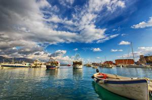 Обои Италия Корабль Небо Лодки Залива Облачно Santa Margherita Ligure Harbour Города