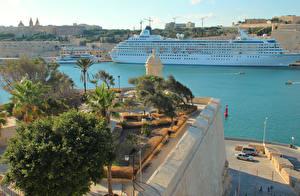 Картинки Мальта Пристань Круизный лайнер Залив Valetta Города