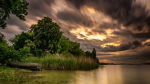 Фотографии Пейзаж Реки Лодки Небо Деревья Трава Облака