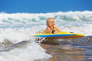 Фотография Море Волны Серфинг Девочки Дети
