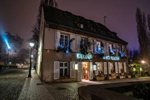 Фотографии Страсбург Франция Дома Вечер Улица Уличные фонари