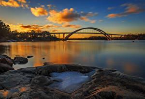 Фотография Швеция Речка Мосты Вечер Небо Камень Облака