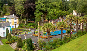Обои Великобритания Здания Ландшафтный дизайн Пальмы Кусты Portmeirion Wales