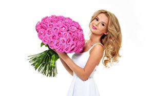 Фотографии Букеты Розы Розовый Блондинка Красивые Белый фон Девушки