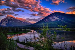 Картинка Канада Парк Гора Озеро Пейзаж Вечер Банф Облака Vermillion Lakes Природа