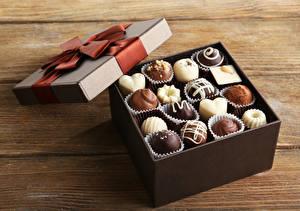 Фото Конфеты Шоколад Коробка Пища